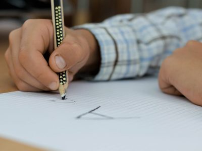 Desafíos y contradicciones del contexto intercultural en las escuelas navarras